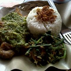 Photo taken at Kantin Mega Kuningan by Arum R. on 4/4/2012