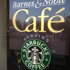 Photo taken at Barnes & Noble by Saida L. on 10/5/2012