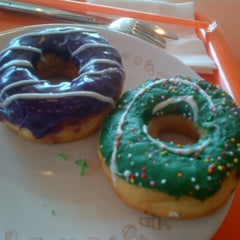 Photo taken at Dunkin Donuts by Irpan A. on 12/24/2012