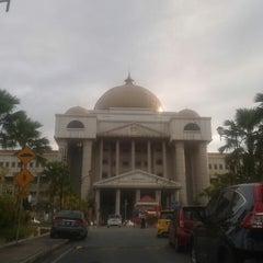 Photo taken at Kompleks Mahkamah Kuala Lumpur (Courts Complex) by Nina Hayza 1. on 6/23/2015