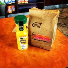 Photo taken at Dunkin Donuts by Crow G. on 9/17/2012