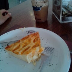 Photo taken at Fran's Café by Rodrigo P. on 12/5/2012