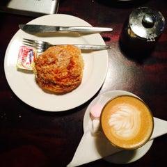 Photo taken at Midnight Espresso by Ayu M. on 7/8/2015
