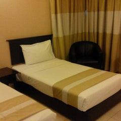 Photo taken at Suria City Hotel Johor Bahru by Arafah on 9/27/2015
