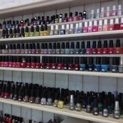 Photo taken at In the Garden - Nail Spa by NaMTiP on 4/17/2013
