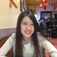 Photo taken at Taste Good Beijing Cuisine 京味轩 by Iris L. on 3/20/2015