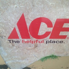 Photo taken at Ace Hardware Of Robbinsdale by Ci Ci C. on 3/23/2013