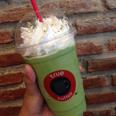 Photo taken at TrueCoffee (ทรูคอฟฟี่) by ZYNGA on 3/15/2015