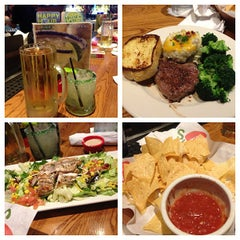 Photo taken at Chili's Grill & Bar by Jordan_Jhy on 3/15/2013