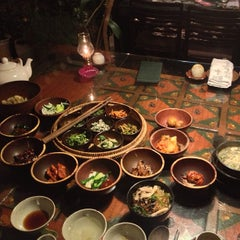 Photo taken at 산촌 (山村, Sanchon Temple Cooking) by Tim B. on 4/15/2013