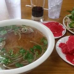 Photo taken at Good Noodle Restaurant by Daniel P. on 1/22/2015