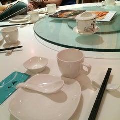 Photo taken at PUTIEN Restaurant 莆田菜馆 by Joeyy on 1/4/2015