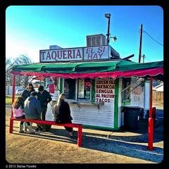 Photo taken at Taqueria El Si Hay by Dallas Foodie (. on 1/30/2013