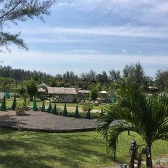 Photo taken at ThaiLife Homestay Resort & Spa by 🔥 KaM 🔥 .. on 1/3/2016
