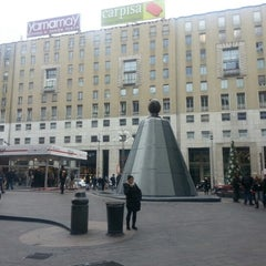 Photo taken at Piazza San Babila by Ylenia M. on 12/7/2012