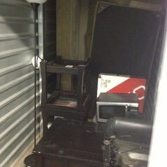 Photo taken at Hawaii Self Storage by Danny R. on 3/9/2013