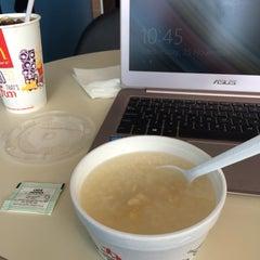 Photo taken at McDonald's Kok Lanas Drive Thru by Syafiqah A. on 11/25/2015
