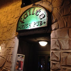 Photo taken at Failte Irish Pub by Wisitsak T. on 4/4/2014