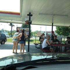 Photo taken at SONIC Drive In by Ben B. on 6/30/2012
