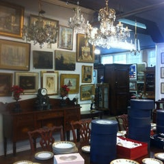 Photo taken at Crescent City Auction by Nancy R. on 12/7/2012