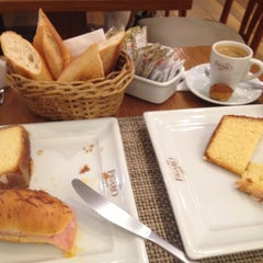Photo taken at Figaro Café by Carolina G. on 12/11/2012