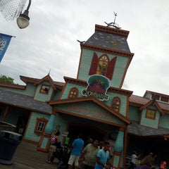 Photo taken at Scooby - Doo Ghostblasters by Robin P. on 7/15/2013
