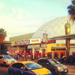 Photo taken at Cinerama Dome at Arclight Hollywood Cinema by Edgar S. on 6/12/2013