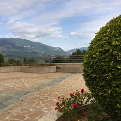 Photo taken at La Reserve Hotel Terme Caramanico Terme by Bronza on 7/10/2015