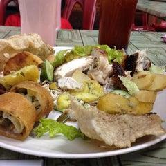 Photo taken at D'Cherang Restoran by  نورديني ي. on 11/22/2015