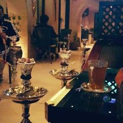 Photo taken at مقهى البنديره - Al Bindaira Café by Azoz A. on 1/25/2015