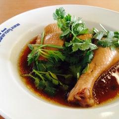 Photo taken at BBL Canteen (โรงอาหาร ธนาคารกรุงเทพ) by Jom on 7/10/2014