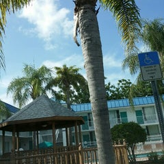 Photo taken at Days Inn & Suites by Kelly P. on 7/20/2014