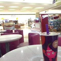 Photo taken at Chatime by Miann R. on 2/16/2016
