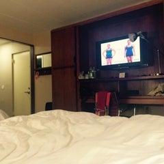 Photo taken at Metro Points Hotel Washington North by Nastya V. on 5/7/2015