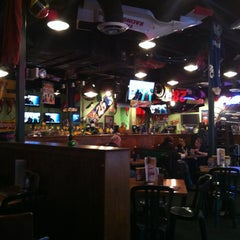 Photo taken at Quaker Steak & Lube® by Harry M. on 3/18/2013
