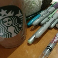 Photo taken at Starbucks by Angiee F. on 11/20/2012
