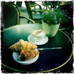 Photo taken at Caffè Nero by Rob R. on 6/27/2015