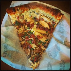 Photo taken at Pizza My Heart by Bill S. on 11/8/2014