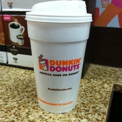 Photo taken at Dunkin Donuts by Kim 🍹🍹 on 11/7/2012