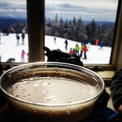 Photo taken at Mount Snow Summit Lodge by Katie R. on 3/16/2013