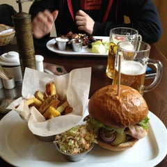 Photo taken at Peter's Burger Pub by Jan S. on 3/22/2013