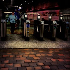Photo taken at 7th St/Metro Center (Julian Dixon) Metro Station by Lee A. on 11/25/2012