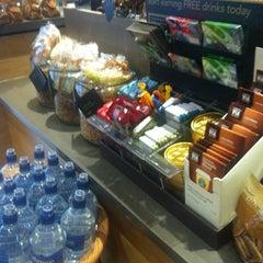 Photo taken at Starbucks by Yvonne H. on 6/21/2013