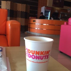 Photo taken at Dunkin' Donuts | دانكن دونتس by ابوخالد ح. on 2/19/2015