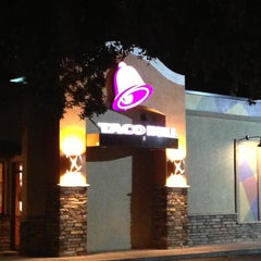 Photo taken at Taco Bell by Ralph on 5/11/2013
