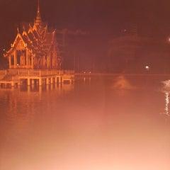 Photo taken at สระน้ำ มหาวิทยาลัยรามคำแหง by JOKENINE ® on 11/8/2013