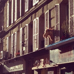 Photo taken at À la Renaissance by Bertie S. on 10/29/2013