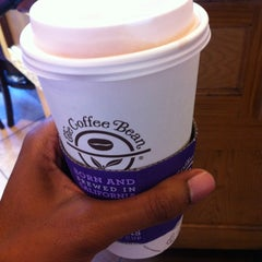 Photo taken at The Coffee Bean & Tea Leaf® by Kerry A. on 10/30/2012