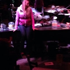 Photo taken at Sgt. Pepper's Dueling Piano Bar by Katrina on 2/8/2014
