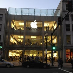 Photo taken at Apple Store, Boylston Street by Cathy I. on 3/11/2012